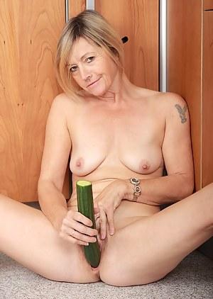 Moms Fetish Porn Pictures