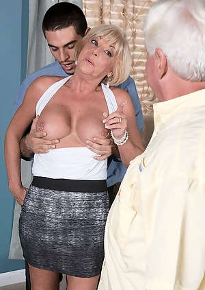 Moms Cuckold Porn Pictures